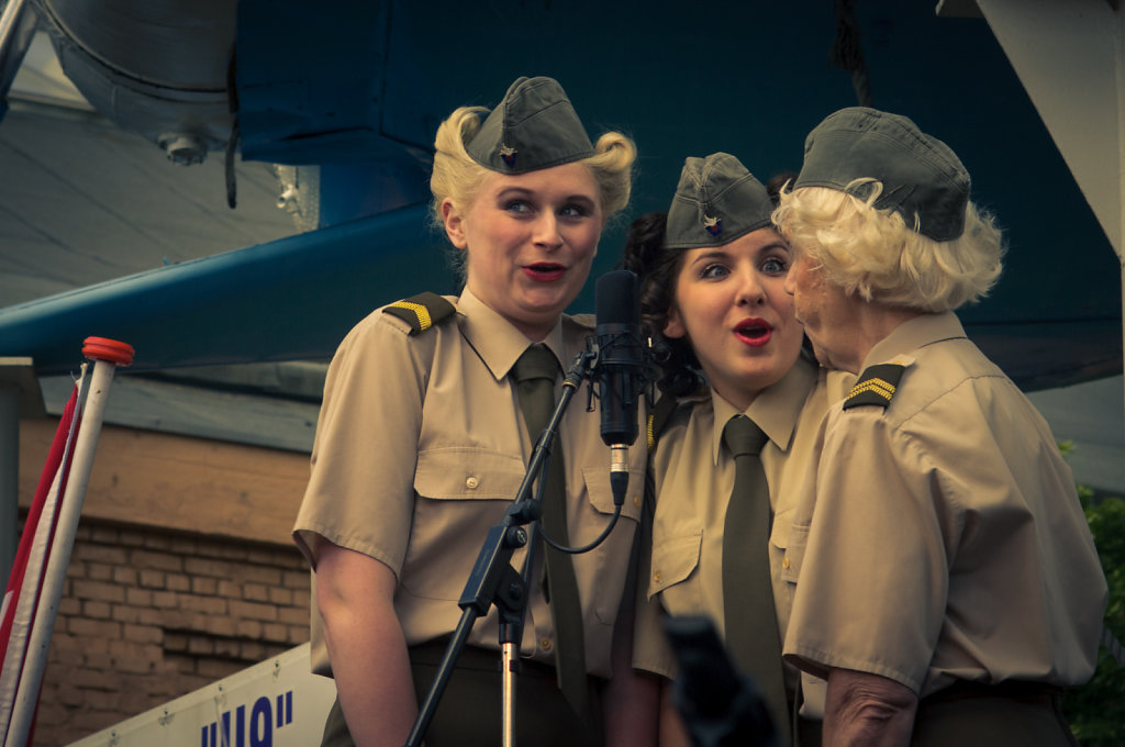Sgt. Wilson's Army Show Girls